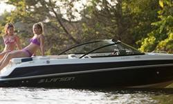 20 feet of pure enjoyment. Even when sitting still, this boat creates its own fun. Lounge in supreme comfort. Refresh with a dip off the oversized swim platform. And when you?re skimming across the water, the 195S design makes it a thrill to drive and a