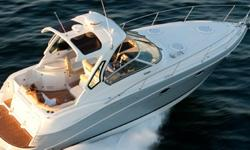 2014 Four Winns V335 The Vista Series You'll be captivated by the Vista 335 cruiser. It's a 33-foot vision of understated elegance, from the smartly-designed cabin accommodations flanked by rich wood cabinetry to the well-appointed galley. Consider an