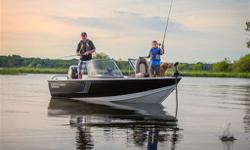 2016 Crestliner Fish Hawk 1650 WTFew boats have seen as many trophy catches as Crestlinerâ??s legendary Fish Hawk. A true multi-species boat from bow to stern, every feature was designed with the angler in mind, so you can focus more on reeling â??em in.