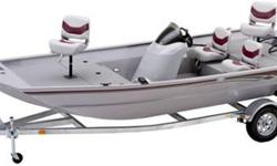 Long, wide and deep, the 1860 DLX hull accommodates all of the features that you demand in a jon boat. Massive livewell capacity, large lockable storage and a mid-ship fuel tank that makes these weight-forward designs smooth running and faster on-plane.