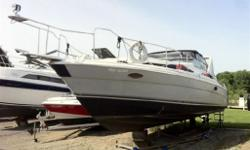 Ready for the water! This boat is perfect for it's location! with almost a 13' beam she can handle many different lake conditions and has proven that many times on Lake Simcoe. The Bayliner 3785 was a very hot seller in the 90's for thier space saving