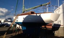 Gorgeous 36 foot 1960 wooden sailboat that has been fully restored, with original circular brass portholes. Beautiful vessel, please call 778.320.0247 In water moorage, slip may be transferred
