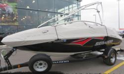 2006 SEA-DOO SPEEDSTER 200 WAKE 430 - 69$/SEM Edition Wake, Ballast, Perfect-Pass, 2 puissants moteurs 4-TEC Suralimenté totalisant 430 chevaux, Chaine Audio Clarion, Toile BRP, Tour de Wake, Possibilité de Speaker de tour Infinity, Condition 10/10 !!!!