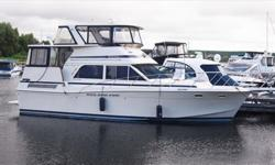 Boasting two true staterooms, two heads, dual stations, a spacious salon, comfortably enclosed aft deck and many more comforts, the Chris Craft 426 Catalina is castle and kingdom afloat. Topsides accommodations include an expansive aft deck with hardtop,