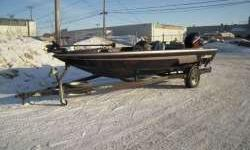 20' Bass Boat w/ 2002 150hp EFI MercuryThis 20' Javelin Bass Boat comes with a custome trailer and 2002 150hp Mercury EFI 2stroke for only $10,900.00. Options included are livewells, full guages, MinnKota trolling motor, 3 marine batteries, moooring
