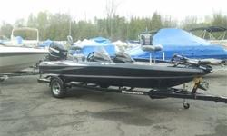 Packaged with a matching trailer with swing tonque and brakes, Evinrude 150HP E-TEC, hot foot, removable side console, Hydraulic steering, Lowrance HDS-5 in dash, dual pro charger, Raker 2 stainless prop, built in transom straps, Motorguide 75LBS. 24 volt
