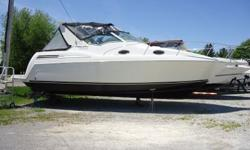 Here's a great looking boat with great lines, Trojan Express 320 by Carver. Twin 5.7 GSi Volvo Penta DuoProp. 320 hours. Very clean and well maintained, Air Conditioning & Cabin Heater. State room with privacy door. Dinner on deck is easy with lounge