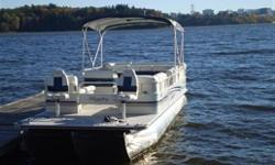 243 FISH Bentley 2005 pontoone - 3 tubes, 24ft, 115hp. Bought new in 2007, like-new conditions, used 40hrs, under warranty. Bimini top, transport cover and BBQ included. Removable CD, livewell. $29,900