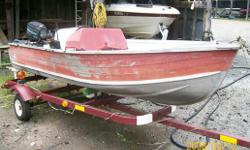 Great little kids boat. Remote controls and steering. Boat and motor need service and are being sold as is (engine was running). Trailer is NOT included and I do not have a used one at this time.