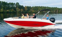 This 20' 1 deck boat has quickly become one of the most popular models in our line. While it is clearly built for fun, its thoughtfully engineered interior and abundant storage compartments throughout enable you to bring a whole group of friends and lots