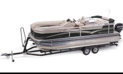 The family pontoon boat that outperforms every expectation! The SUN TRACKER® PARTY BARGE® 220 XP3 exceeds expectations of what a pontoon boat can be. Its third pontoon is key to its exhilarating speed and handling. When you take a break from water sports,