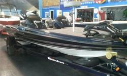 Packaged with a matching trailer with swing tonque and brakes, Evinrude 150HP E-TEC, hot foot, removable side console, Hydraulic steering Lowrance mark 5X in dash, Lowrance mark 5X bow, dual pro charger, Raker 2 stainless prop, built in transom straps,