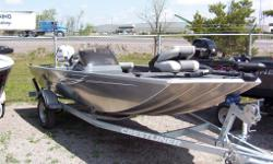 2012 CRESTLINER STORM This 16ft boat provides amazing value, and with an all welded aluminum hull it's very durable, light weight and low maintenance. The Storm 16 maximizes deck space, with lots of storage space below, large livewell, side console with