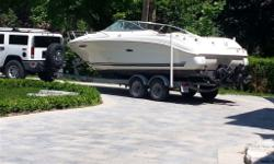 Sea Ray 215 weekender 2006, the trailer is included, it just has 205 Hours on it. it maintained and winterized each year professionally asking 28000$