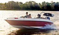 Element XL, the next stage of the Element Revolution, is here! Maximizing onboard capacity, length and horsepower options, the brand-new Element XL will revolutionize your family's on-water potential. Like never before, the power to cruise comfortably,